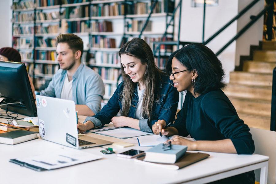 conversory-projects-tu-graz-epaper-studentInnen-laptop